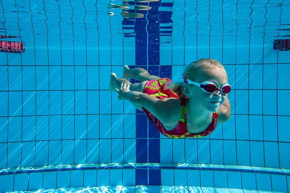 Active kids swimming lesson graphic